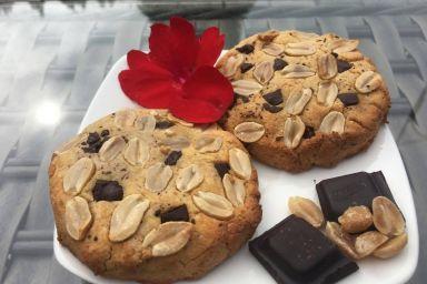 Ciateczka kokosowo-orzechowe z czekoladą