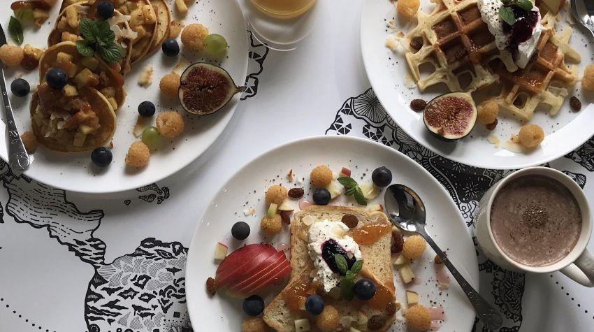 Francuskie tosty, amerykańskie pancakes i belgijskie gofry