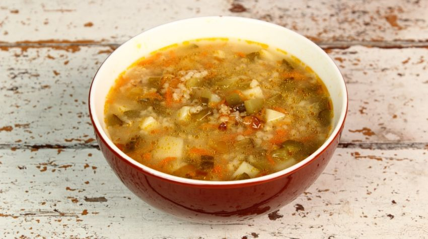 Zupa ogórkowa na ostro