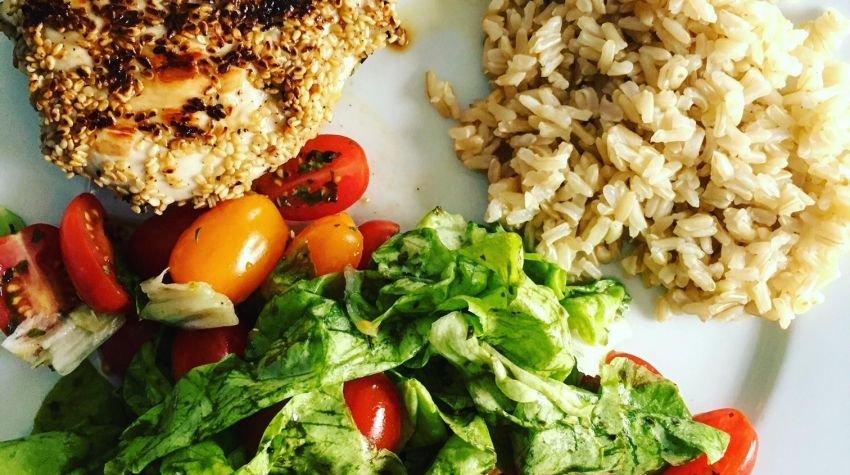 Grillowana pierś z kurczaka w sezamie
