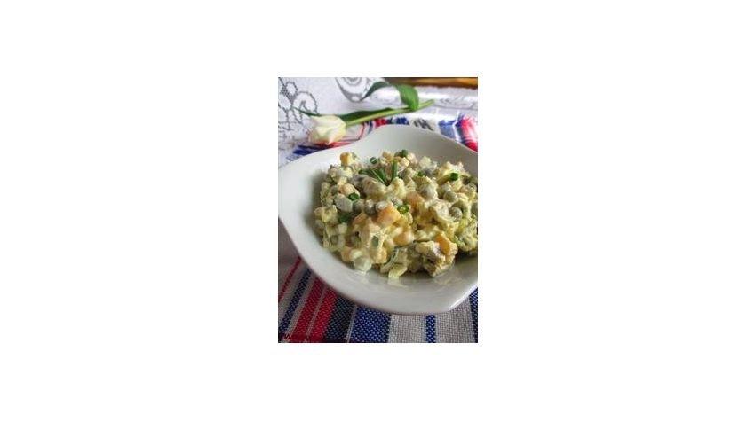 Sałatka z pieczarkami i kukurydzą