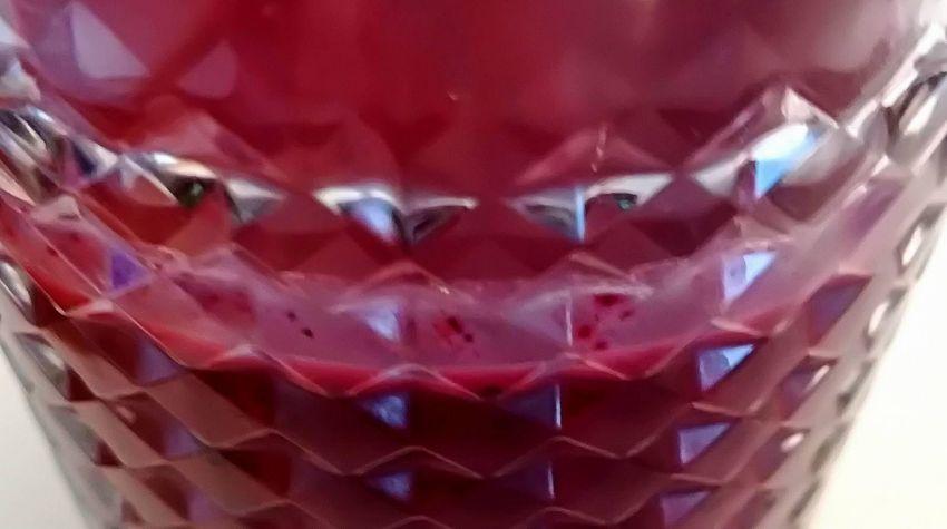 Koktajl truskawkowo-jagodowy z nutą imbirową