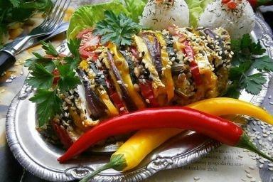 Pierś z kurczaka z warzywami i serem camembert