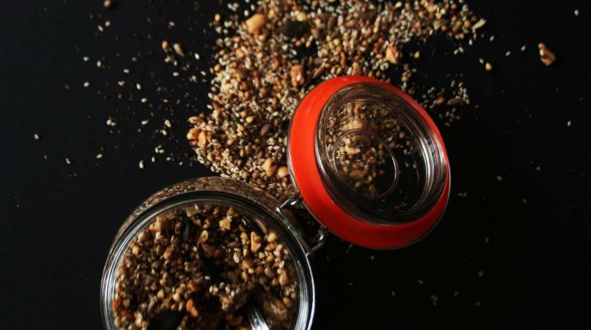 Gryczana granola z orzechami