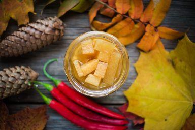 FIT PRZEKĄSKA: Dynia marynowana z goździkami i cynamonem