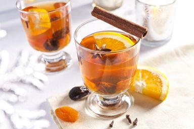 Kompot z suszu z pomarańczą i morelami