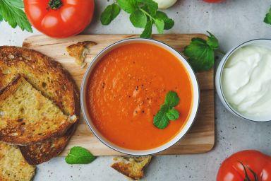 Krem z pomidorów z czosnkiem niedźwiedzim