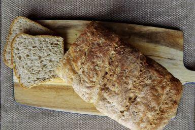 Chleb pszenno żytni z oliwkami