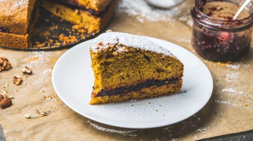Ciasto marchewkowe z powidłami