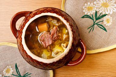 Kapuśniak tradycyjny z kiszonej kapusty