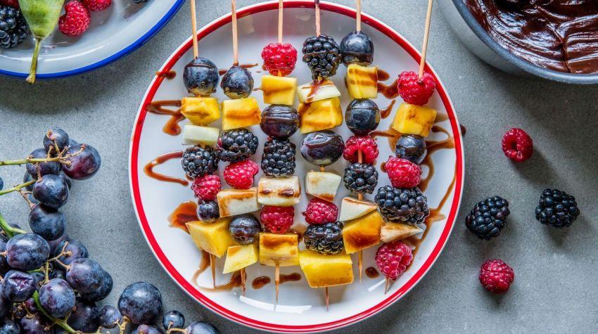 Koreczki owocowe