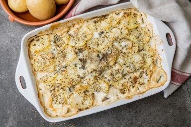Zapiekanka ziemniaczana z serem pleśniowym