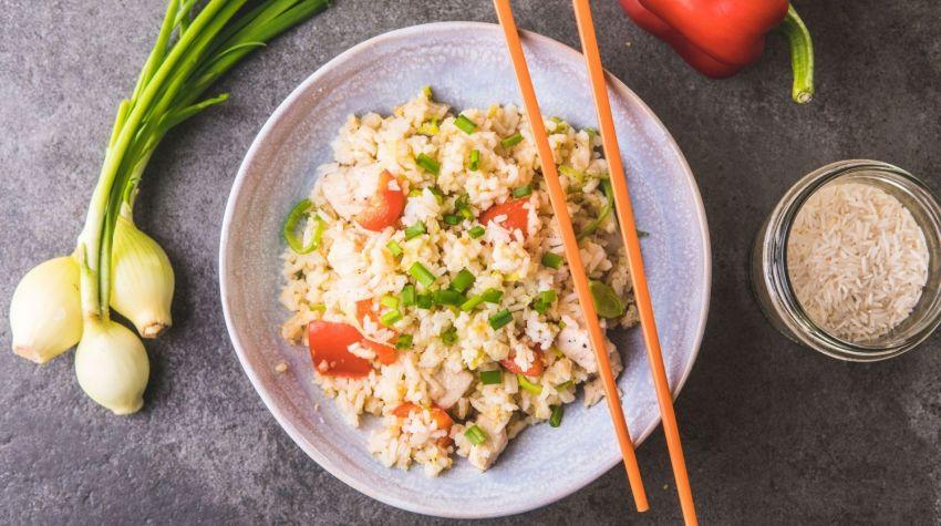Ryż smażony z kurczakiem