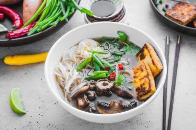 Przepisy na zupy: krem, domowe, dietetyczne, pyszne