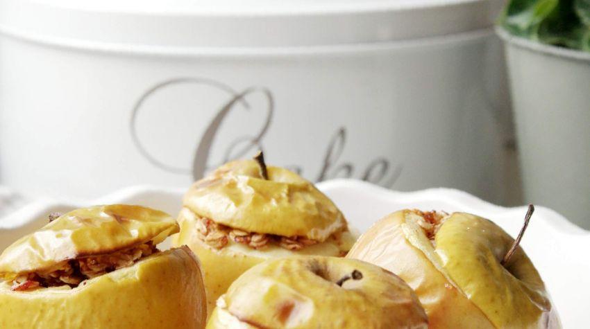 Pieczone jabłka z nadzieniem bakaliowym