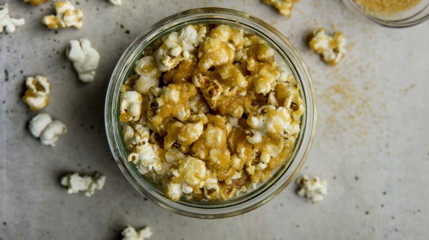Popcorn karmelowy
