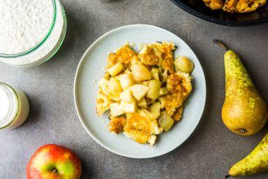 Omlet cesarski z karmelizowanymi jabłkami i gruszkami