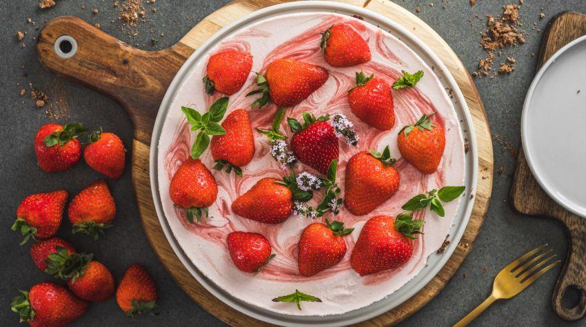 Sernik truskawkowy na zimno