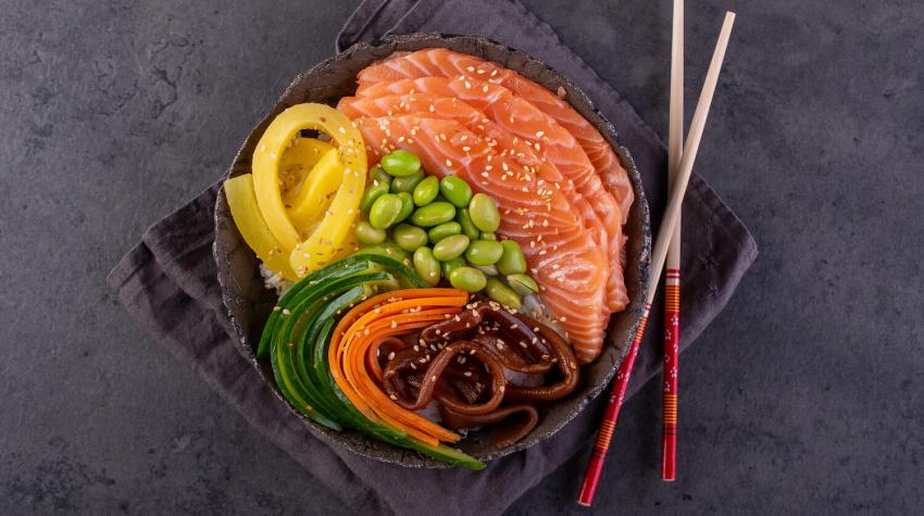 Chirashi zushi – sushi bez zawijania