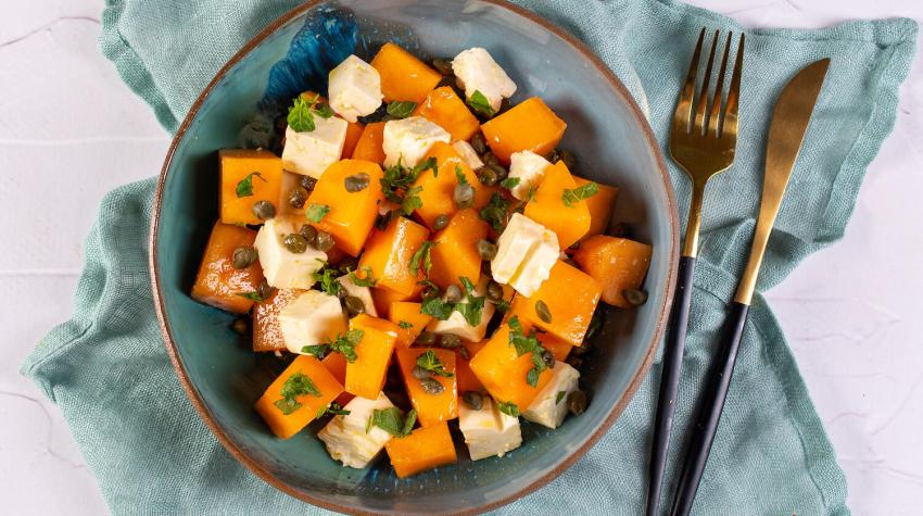 Sałatka z melonem, kaparami i fetą