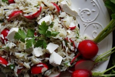 Sałatka z dzikim ryżem i rzodkiewkami