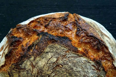 Chleb wiejski z gara
