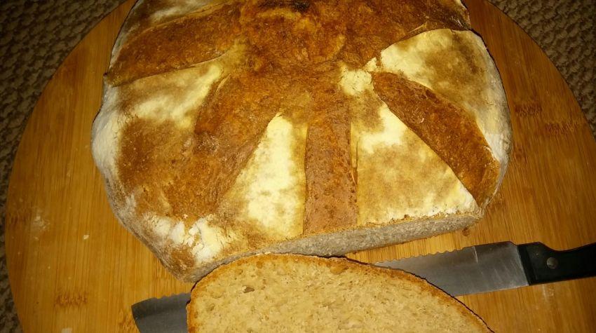 Chleb pszenny na zakwasie żytnim.