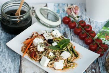 Spaghetti z cukini i marchwi