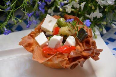 koszyczki z ciasta fillo nadziewane warzywami i serem