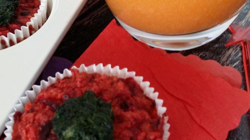 Buraczane babeczki z musem z melona