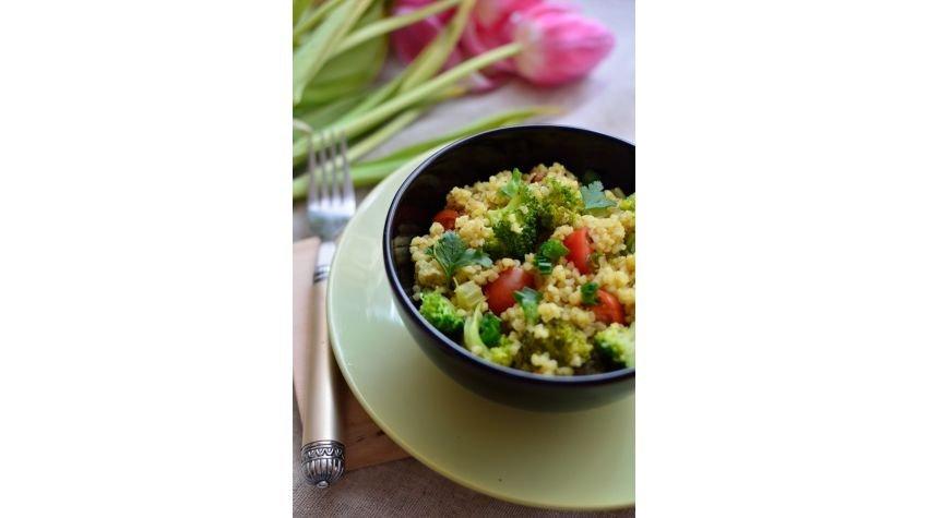 Kaszotto z brokułami i pomidorkami koktajlowymi