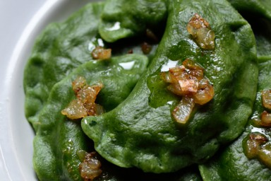 Pierogi szpinakowe z mascarpone i parmezanem