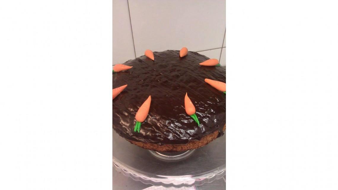 Ciasto marchewkowe w polewie czekoladowej