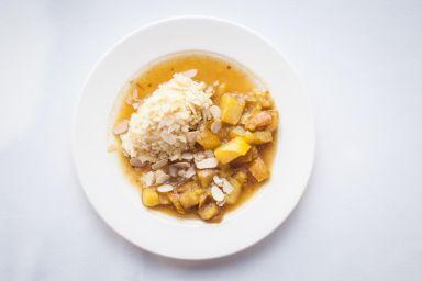 Kasza jaglana z korzennym sosem z gruszek