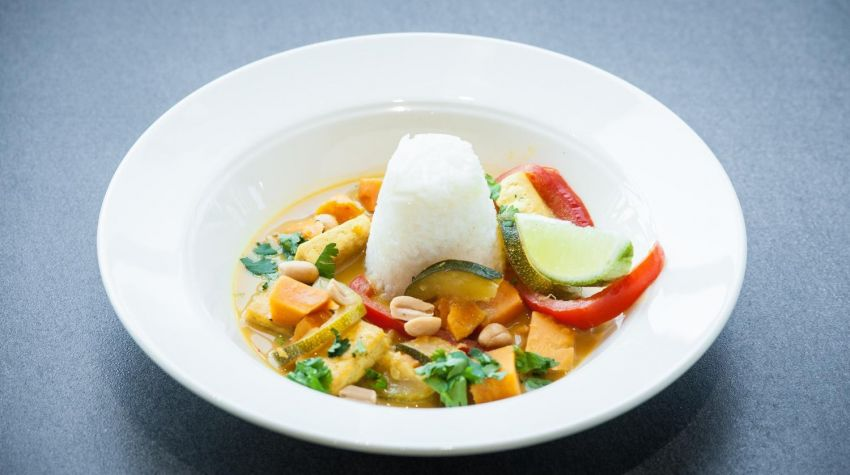 Tofu ze szpinakiem i ryżem basmati