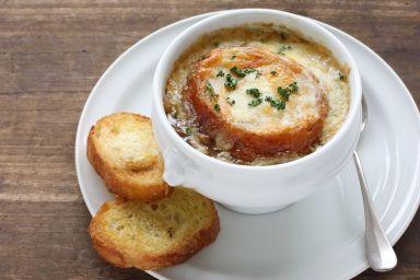 Zapiekana zupa cebulowa