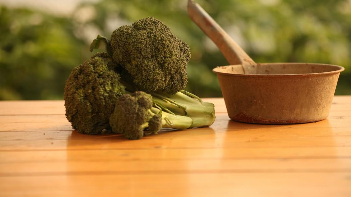 Brokuły zapiekane z serem