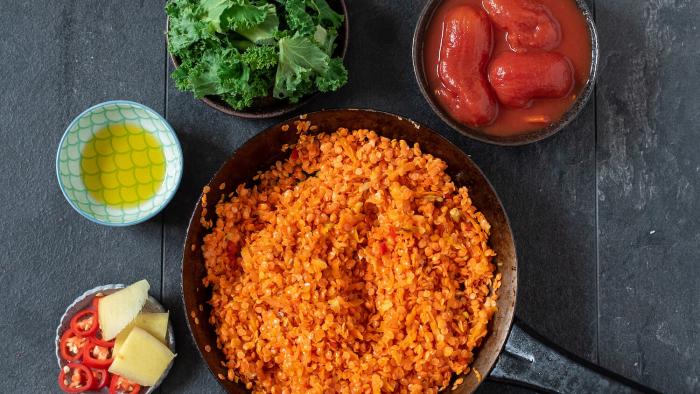 Krem soczewicowy na pomidorówce z jarmużem - krok 1