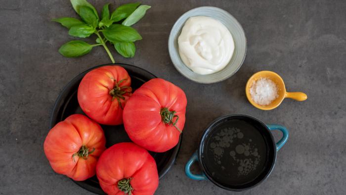Zupa ze świeżych pomidorów - krok 1