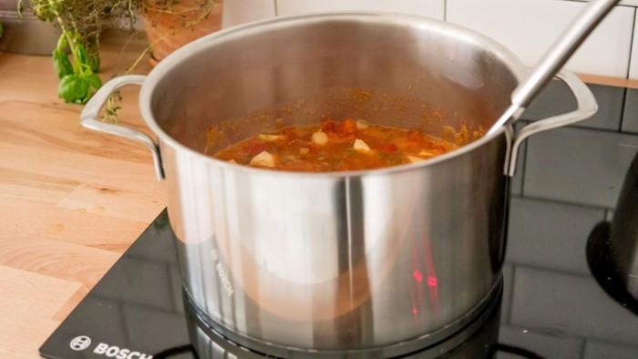 Szybka zupa z zielonej i czerwonej soczewicy - krok 2