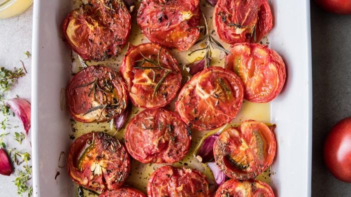 Zupa krem z pieczonych pomidorów - krok 1