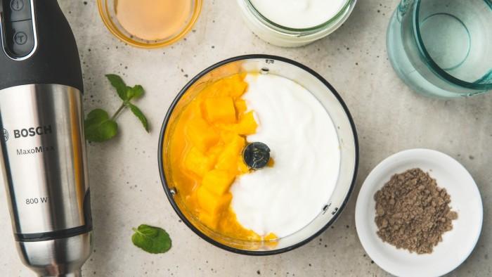Mango lassi - krok 2
