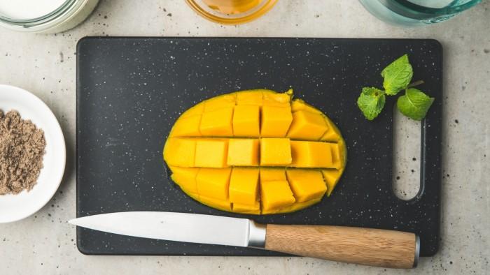 Mango lassi - krok 1