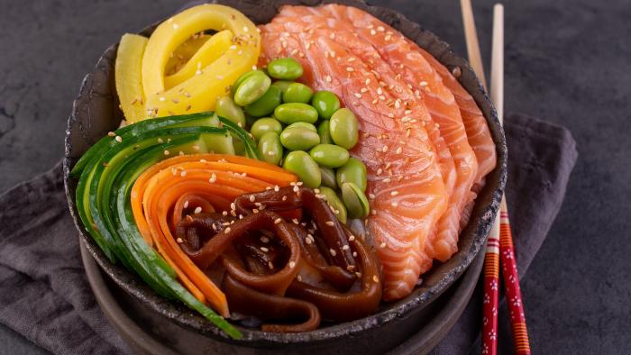 Chirashi zushi – sushi bez zawijania - krok 2