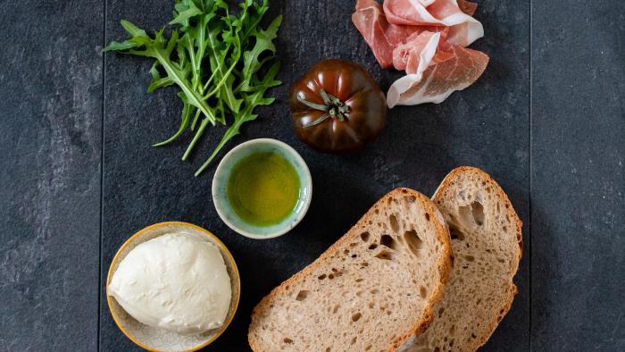 Panini z szynką i serem - krok 1