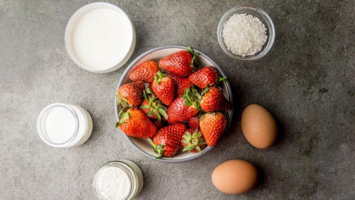 Tort truskawkowy - krok 1