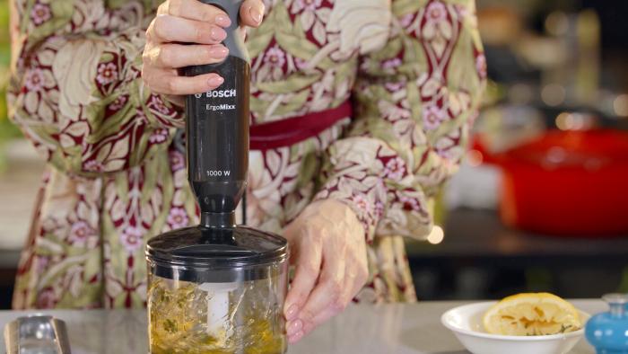 Fit obiad: sałatka z quinoa, grillowanym kurczakiem i warzywami - krok 3