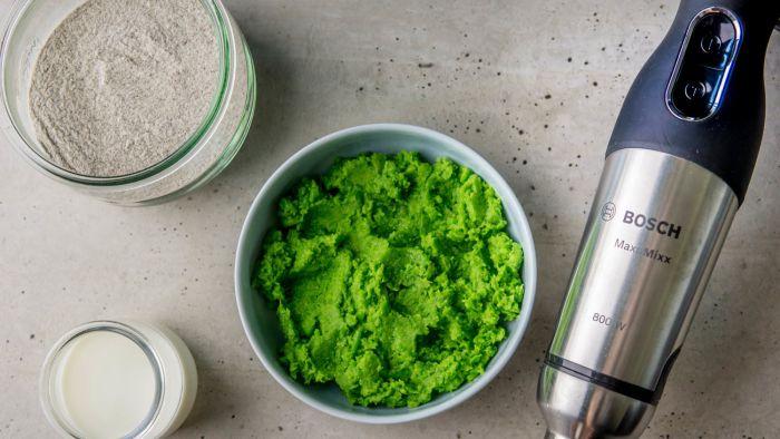 Naleśniki gryczane z farszem z groszku zielonego - krok 4