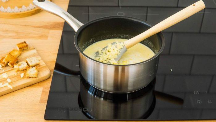 Serowe fondue - krok 2