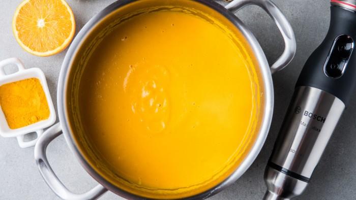 Złota zupa marchwiowa na mleku kokosowym - krok 3